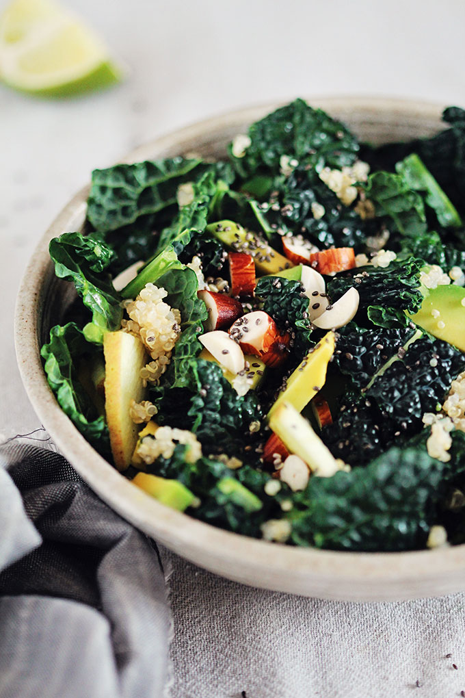 Detoxifying Kale, Apple and Quinoa Salad- OMG, you need to try this detoxifying kale salad! It is so delicious, packed full of vitamins, protein and antioxidants, and probably my favorite salad of all-time.