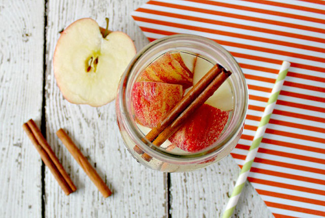 apple detox water recipe