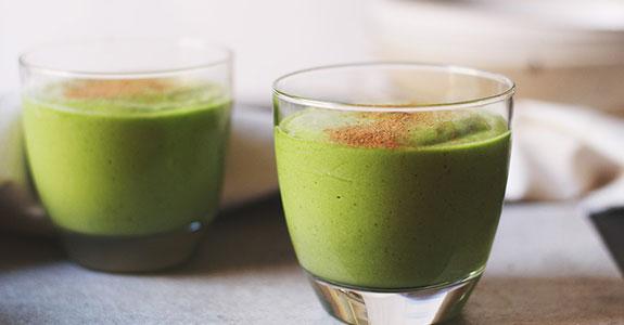 Avocado and Lime Green Tea Smoothie