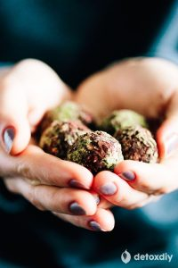 Detoxifying Matcha Green Tea Chocolate Balls