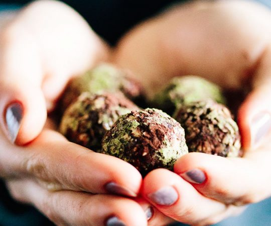 Wow! These matcha green tea chocolate balls taste amazing, and they actually help to detox the body! It's possible to have dessert and detox too. Love these!