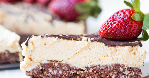 Raw Vegan Peanut Butter Cheesecake