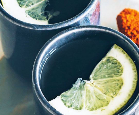 ginger lemon detoxifying tea
