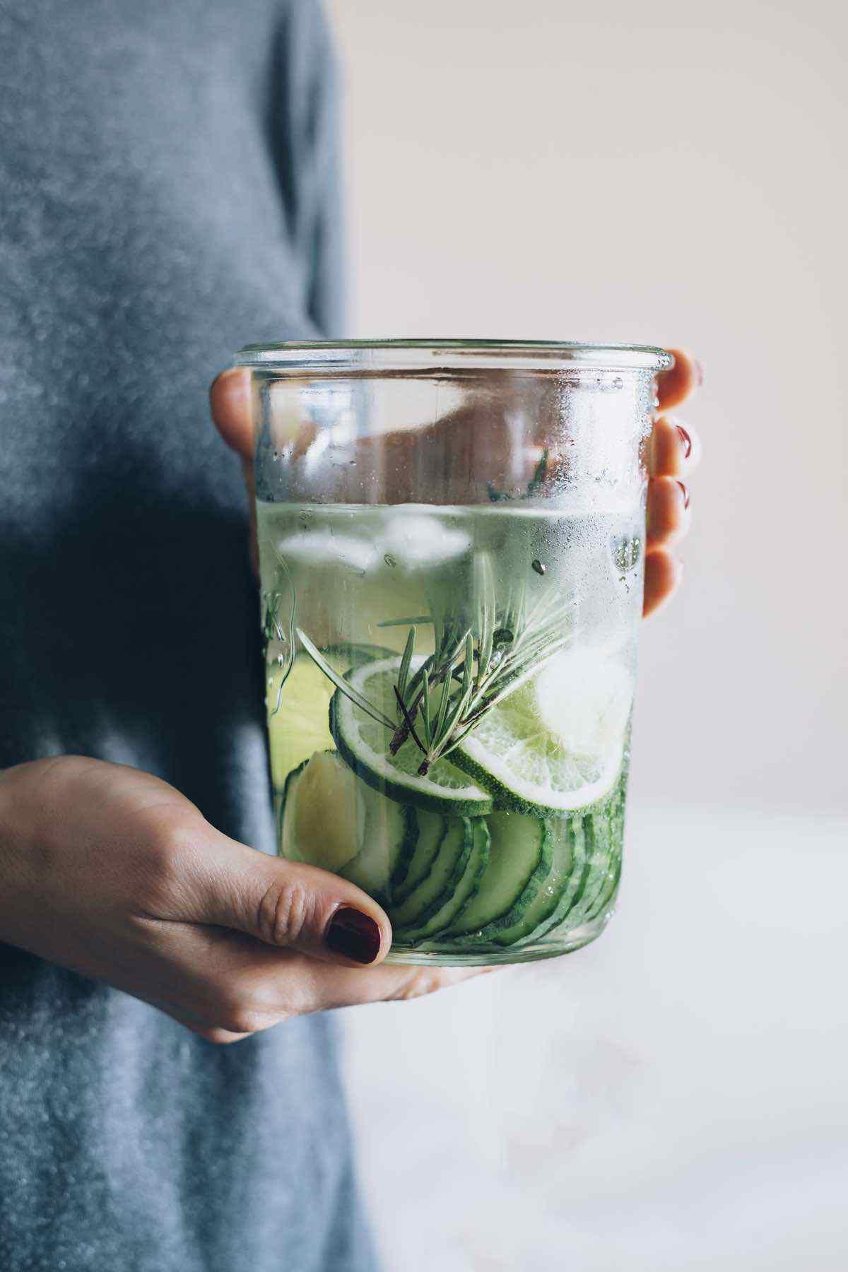 detox water to curb cravings
