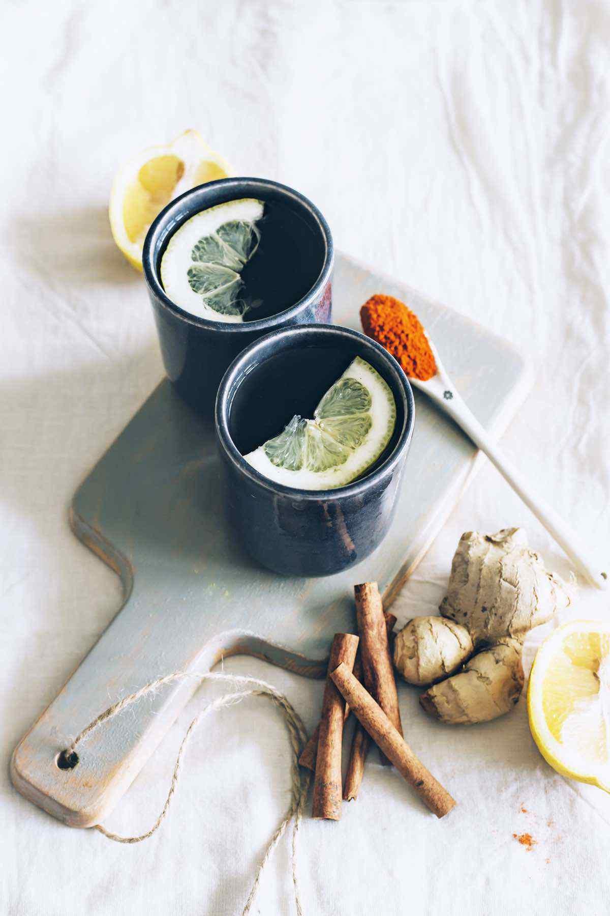 ginger and lemon detox tea